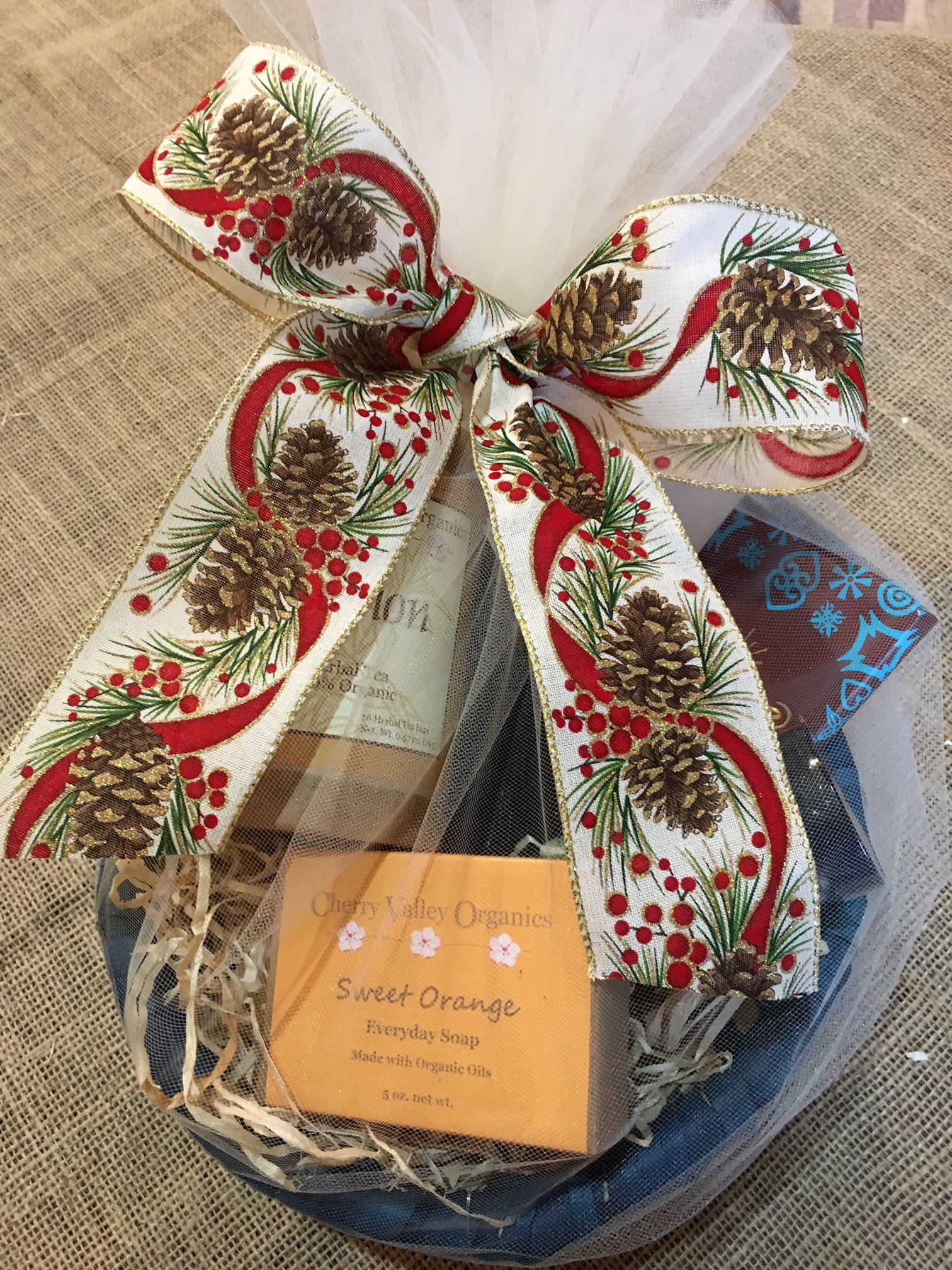 Give a Locally-Made Organic Gift this Holiday!