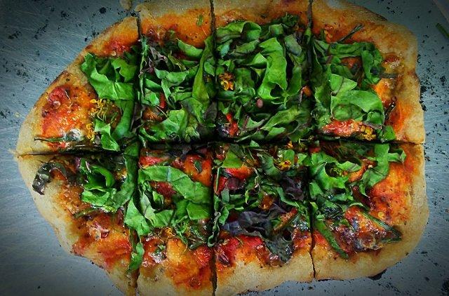 How to Eat Farm Pizza & Monday Harvest News