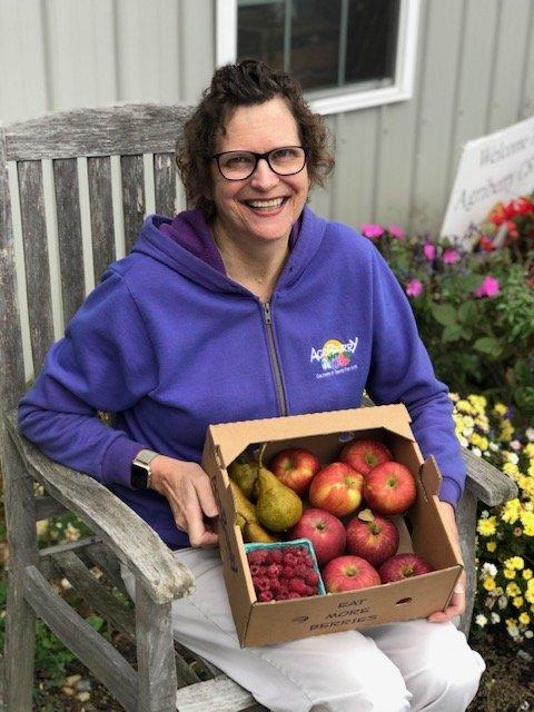 Week 4: New Apples & Pear! & Jam Sale
